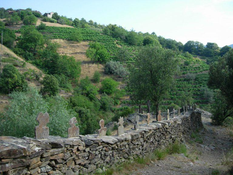 Saint-Melany-sentier-lauze